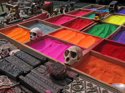 Káthmandu – město mnoha barev, vůní, pohody. Kdo jednou navštíví, má obrovský problém neodolat dalším návštěvám.
