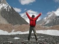 Poprvé zblízka – K2 – druhá největší hora nasvětě. Nejobtížnější? Ani mne by nenapadlo, že se ocitnu najejím vrcholu o5 let později.