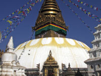 Další zmnoha zajímavých míst vkotlině hlavního města. Zde opičí chrám Swayambunath. Moc doporučuji si ráno přivstat abýt natomto místě jenom smístníma.