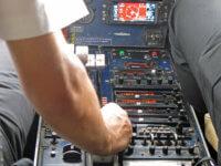 Letecky doLukly. Zrovna jsme měli to štěstí, že zaučovali nového pilota :-)